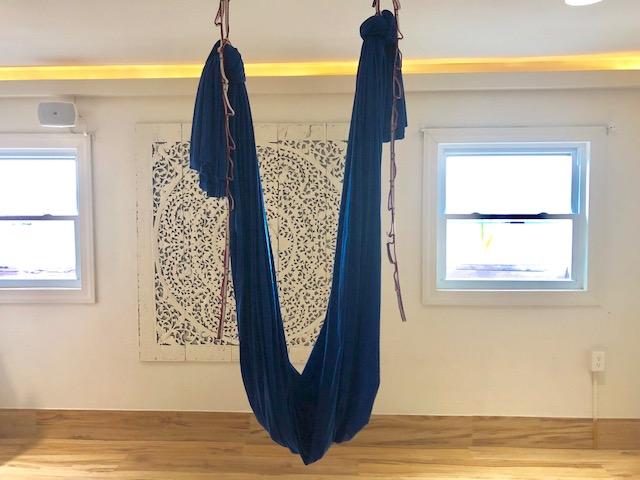 aerial yoga TalkWellness Anja Eva Keller
